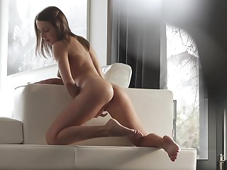 Brunette can't live a day without masturbating