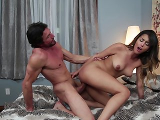 Brunette tart Tommy Guns is so close to orgasm after a few minutes of fucking with her fuck buddy