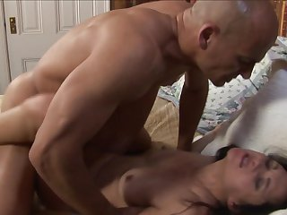Brunette Stephanie Swift has a great desire to be mouth fucked by Ben English