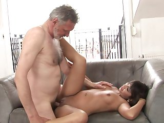 Teen gives pussy to horny as hell man