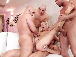 Blonde David Perry is ready to spend hours with George Uhl's cock in her mouth before bottom fucking