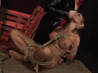 Milf finds it exciting to be penetrated in front of the camera
