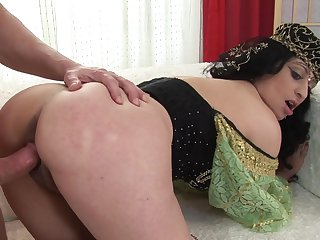 Brunette makes her sex fantasies a reality in cumshot action