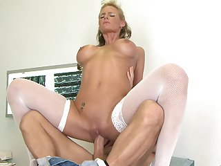 Mikey Butders uses his rock solid sausage to make blowjob addict Blonde Phoenix Marie with giant hooters happy