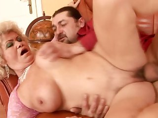 Mature finds her mouth filled with guy's throbbing love torpedo