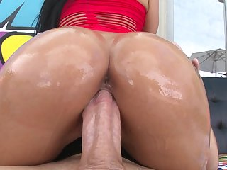 Brunette gets fucked silly by fuck hungry gent
