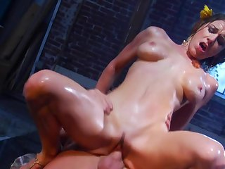 Blonde Kayla Paige makes Evan Stone happy by blowing his erect pole